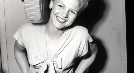 Why Don't You Do Right - Peggy Lee with Dave Barbour and His Band