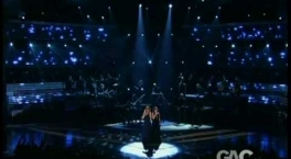 Reba McEntire and Kelly Clarkson: Because Of You live