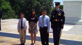 Wreath laying at the Tomb of the Unknown Soldier